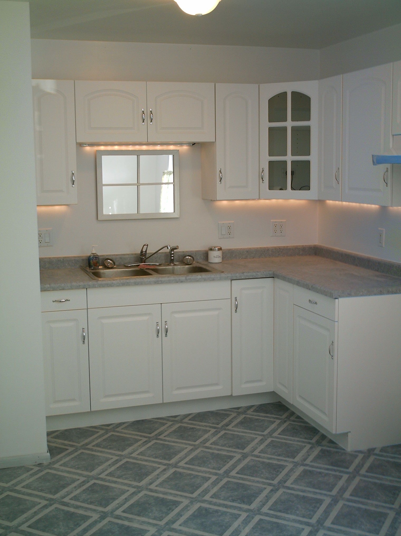 Kitchen Cabinets Counters  Home Interior Design